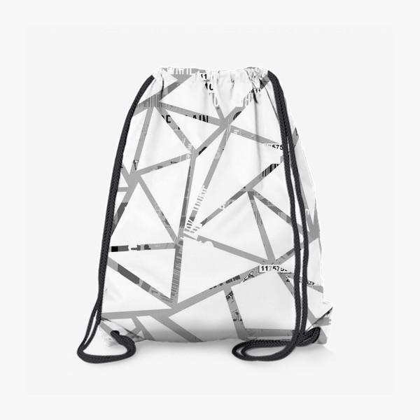 Рюкзак «Треугольная структура с шрифтовым коллажем»