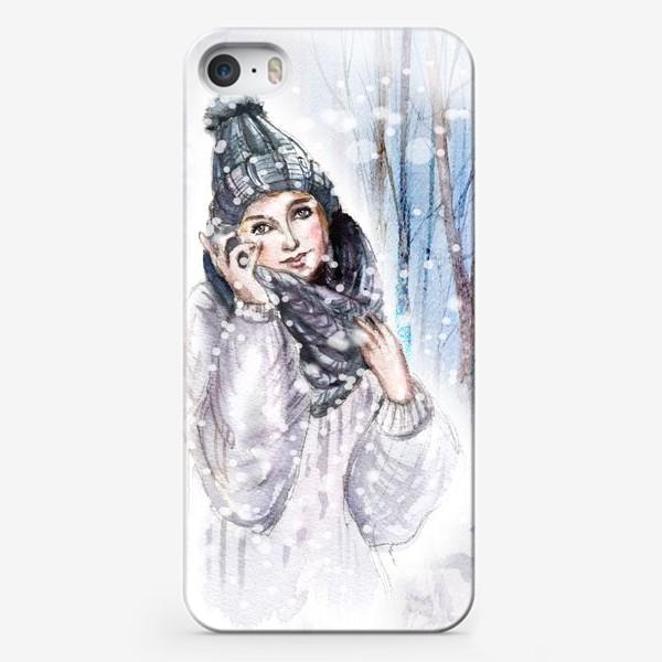 Чехол iPhone «Девушка в шапке в зимнем лесу»