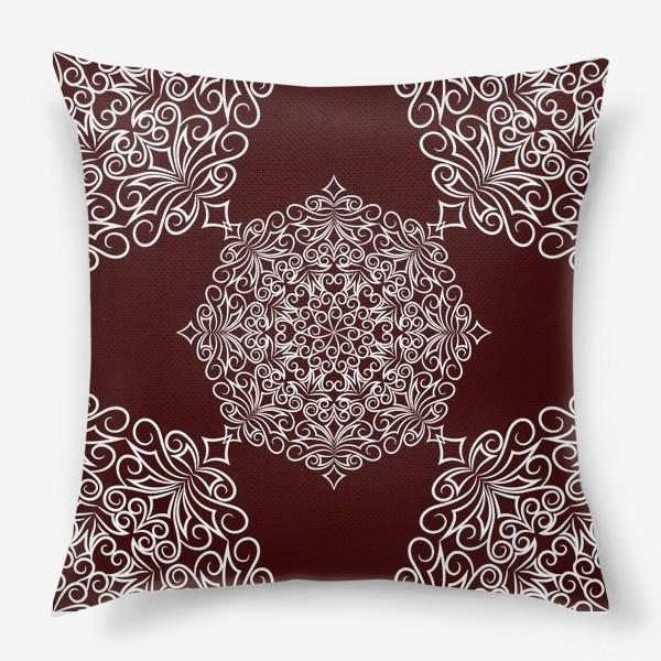 Подушка «Узор с круговым орнаментом»