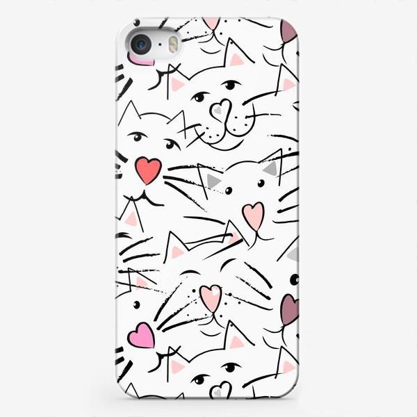 Чехол iPhone «Усы и сердечные носы»