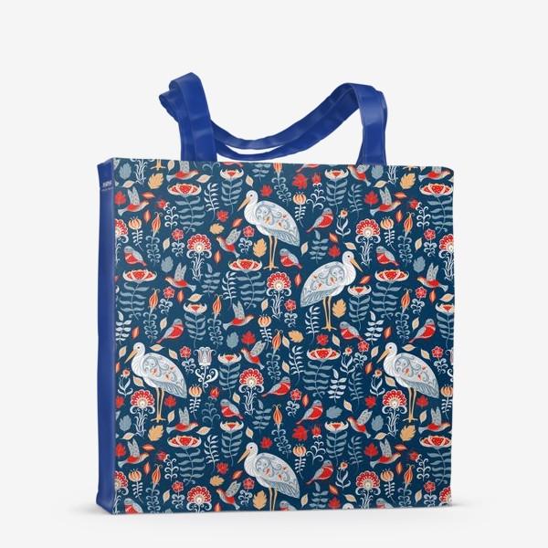 Сумка-шоппер «Декоративный паттерн с аистами, колибри, цветами на синем фоне. »