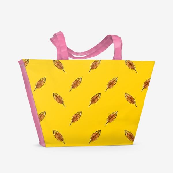 Пляжная сумка «Листья рябины на желтом фоне»