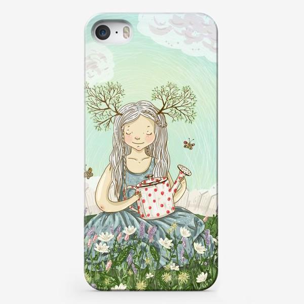 Чехол iPhone «Девушка сидит среди цветов в саду с лейкой»