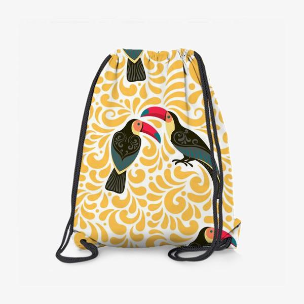 Рюкзак «Туканы с орнаментом на фоне желтых завитков. Бесшовный паттерн.»