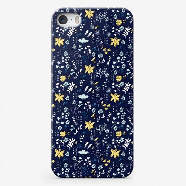 Чехол iPhone «Паттерн с цветочными элементами»