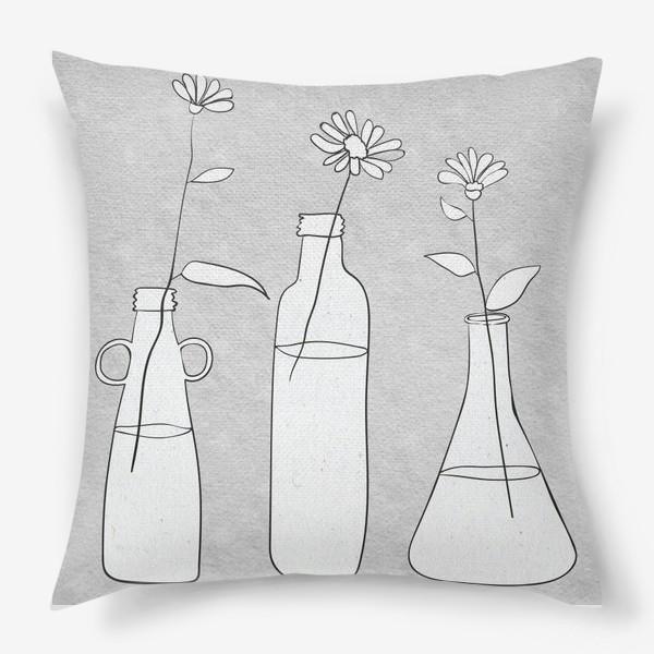 Подушка «Цветы в бутылях на светлом фоне.»