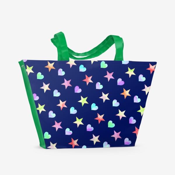 Пляжная сумка «Праздничный паттерн из звезд и сердец»