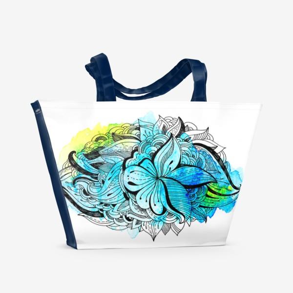 Пляжная сумка «Графика и акварель. Абстрактный цветок на голубом фоне.»