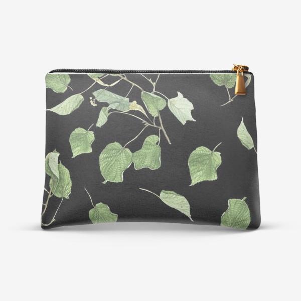 Косметичка «Ветки и листья липы на черном фоне»