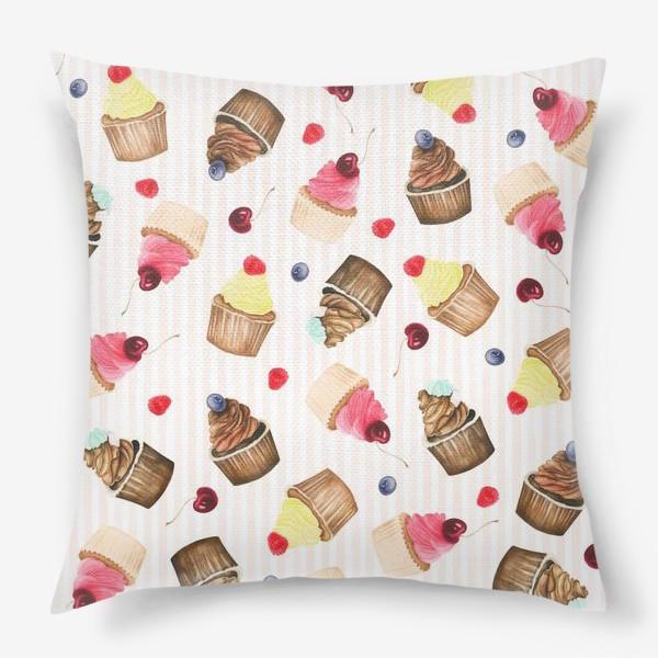 Подушка «Яркие капкейки и ягоды»