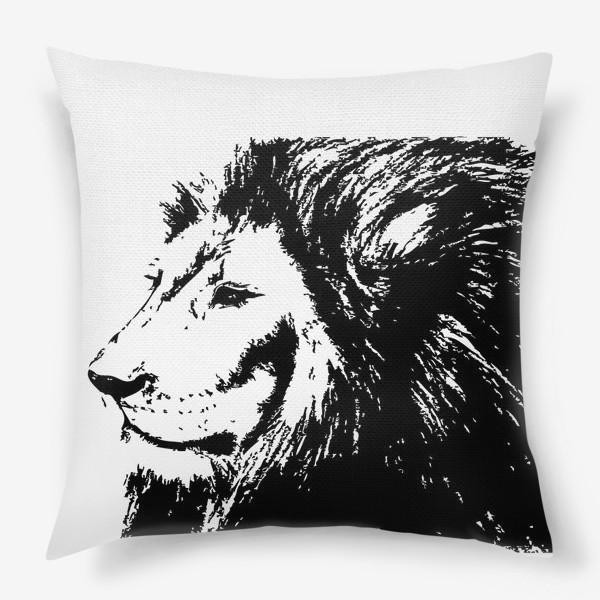 Подушка «Принт лев в стиле графика»