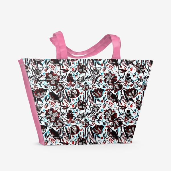 Пляжная сумка «Цветы паттерн голубой розовый белый черный»