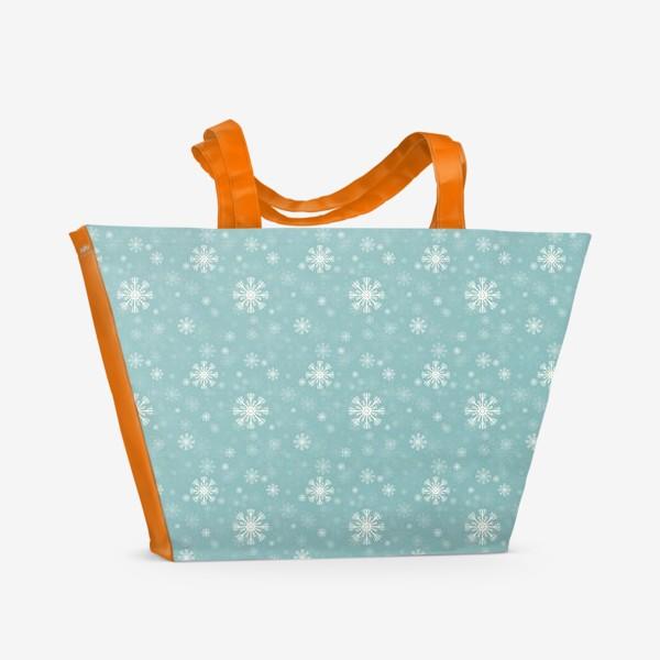 Пляжная сумка «Снежинки на голубом фоне»