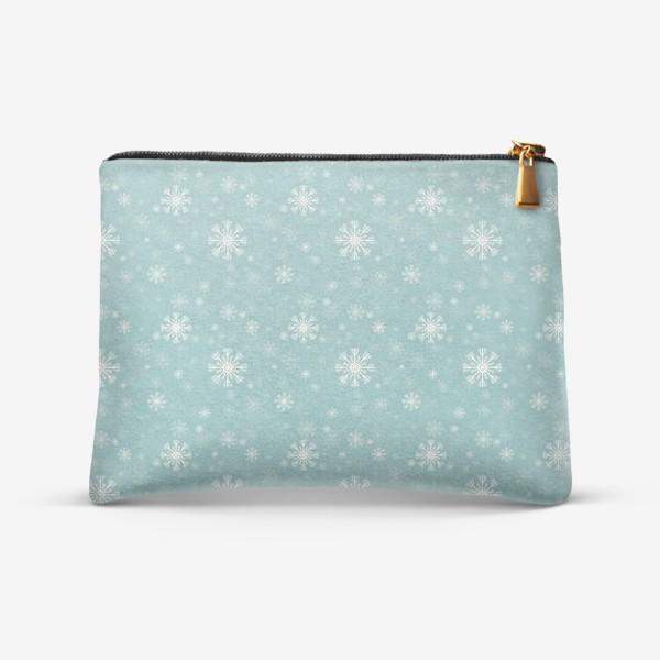 Косметичка «Снежинки на голубом фоне»