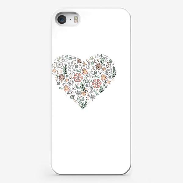 Чехол iPhone «Сердце из цветов»