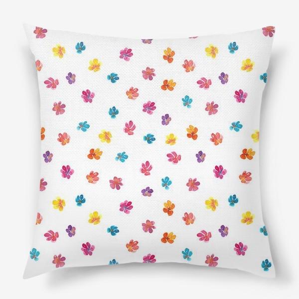 Подушка «Паттерн с акварельными цветами»