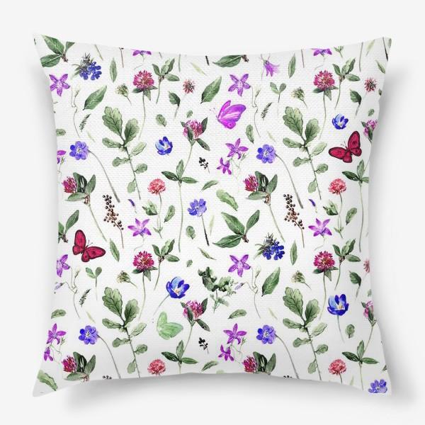 Подушка «Цветочный паттерн с клевером и бабочками»