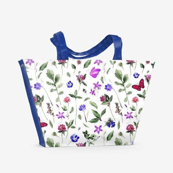 Пляжная сумка «Цветочный паттерн с клевером и бабочками»