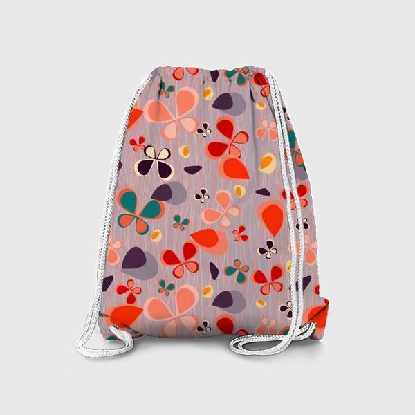 Рюкзак «яркий узор с авбтрактными бабочками и полосками. Нежно фиолетовый с краснами, желтыми и темнами пятнамии»