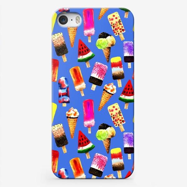 Чехол iPhone «Акварельное разное и яркое мороженное на синем фоне. Безшовный узор»