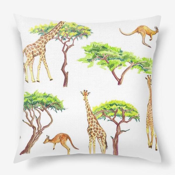 Подушка «Африканский паттерн с жирафами»