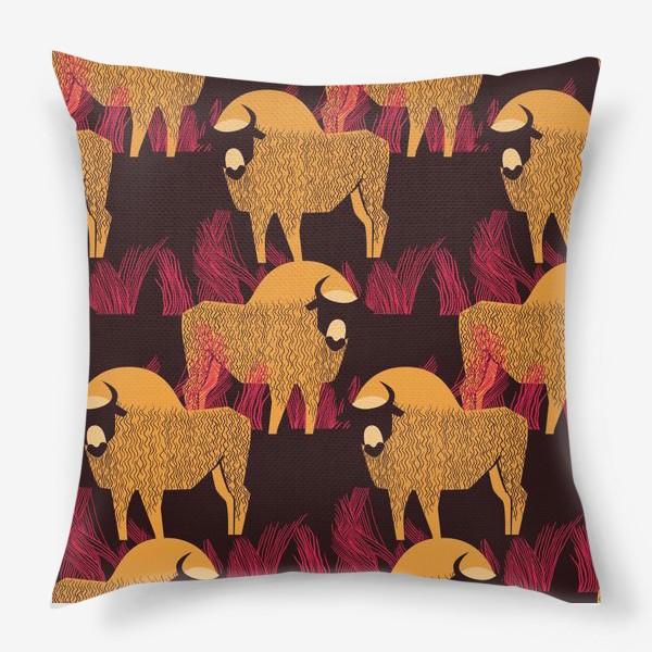 Подушка «Узор с бизонами»