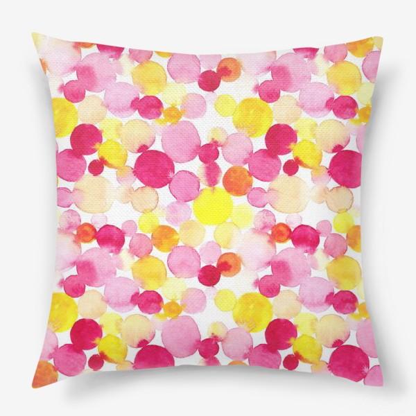 Подушка «Акварельные круги, летний абстрактный геометрический паттерн в горошек розовый желтый, оранжевый на белом фоне»