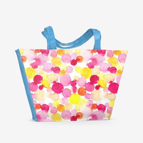Пляжная сумка «Акварельные круги, летний абстрактный геометрический паттерн в горошек розовый желтый, оранжевый на белом фоне»
