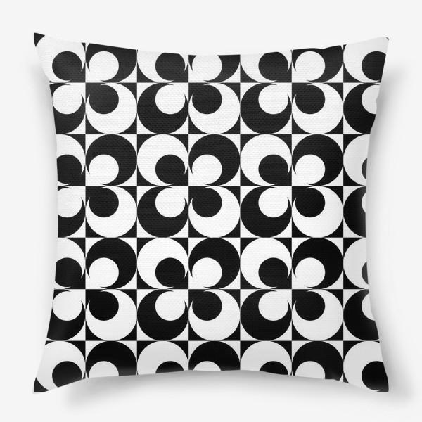 Подушка «Черно-белые круги»