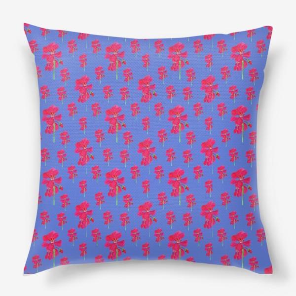 Подушка «красная герань паттерн на синем»