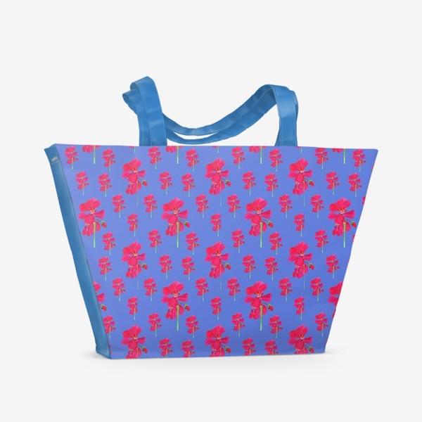 Пляжная сумка «красная герань паттерн на синем»