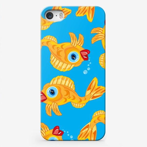 Чехол iPhone «Золотая рыбка в воде декоративный узор»