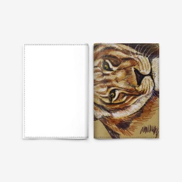 Обложка для паспорта «львица »