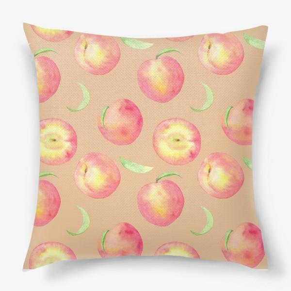 Подушка «Сладкие персики. Летний акварельный принт с фруктами на бежевом фоне.»