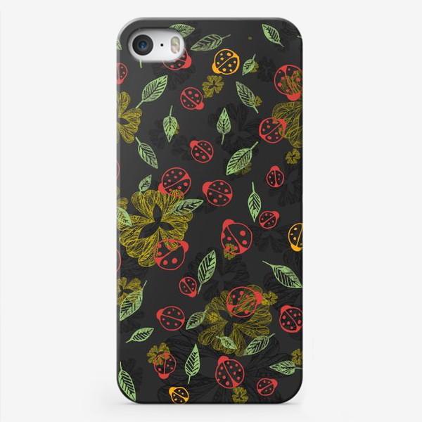 Чехол iPhone «Божьи коровки в листве»