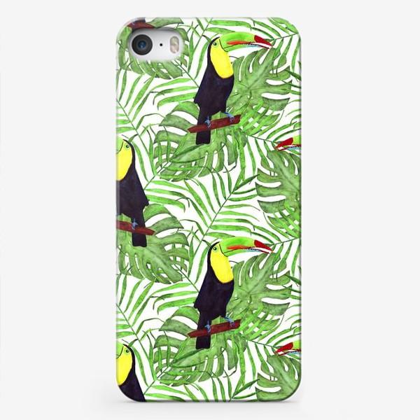 Чехол iPhone «акварельный тропический паттерн с туканом и листьми пальмы и монстеры»