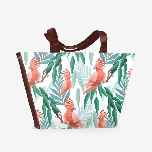 Пляжная сумка «Тропический паттерн с какаду и листьями»
