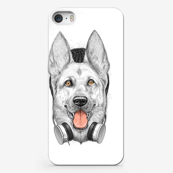 Чехол iPhone «Овчарка меломан»