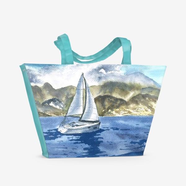 Пляжная сумка «Пейзаж: Яхта у горных берегов»