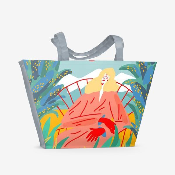 Пляжная сумка «Девушка с белыми волосами на фоне природного пейзажа»