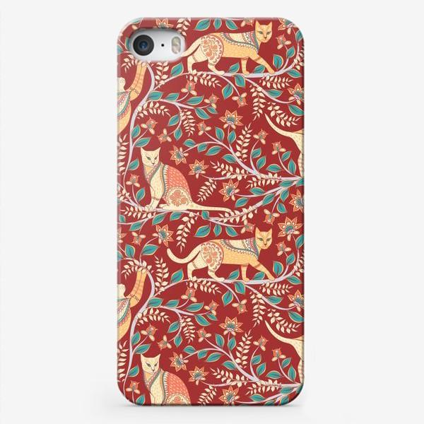 Чехол iPhone «Котики с орнаментом. Индийский стиль. Каламкари.»