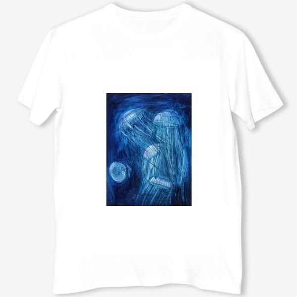 Футболка «медузы в море»