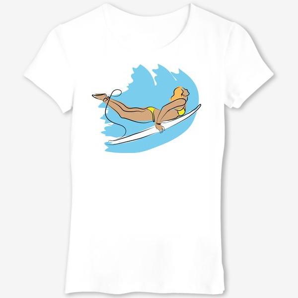 Футболка «Девушка серфер ловит волну»