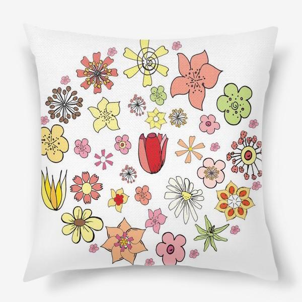 Подушка «Цветочные дудлы в круге»