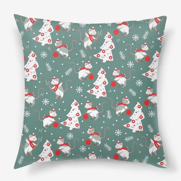 Подушка «Новогодние мышки в шарфиках»