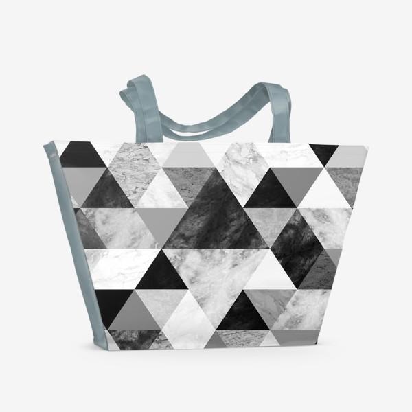 Пляжная сумка «Абстрактный паттерн, треугольники и ромбы, текстура мрамора»