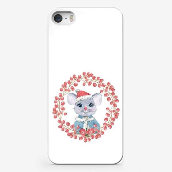 Чехол iPhone «Мышь (крыса) в зимней одежде и в венке из красных ягод, символ 2020 г. Рождественская иллюстрация»