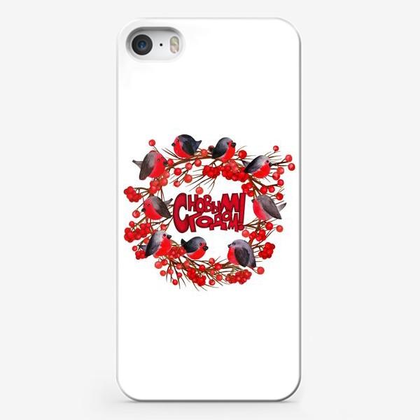 Чехол iPhone «Венок со снегирями и ягодами рябины»