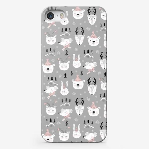 Чехол iPhone «зимние зверушки паттерн»