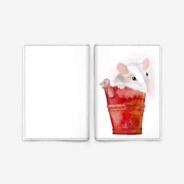 Обложка для паспорта «Мышка в ведерке»